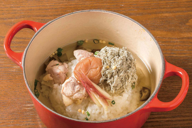 蒸し鶏と茗荷の梅風味茶鍋
