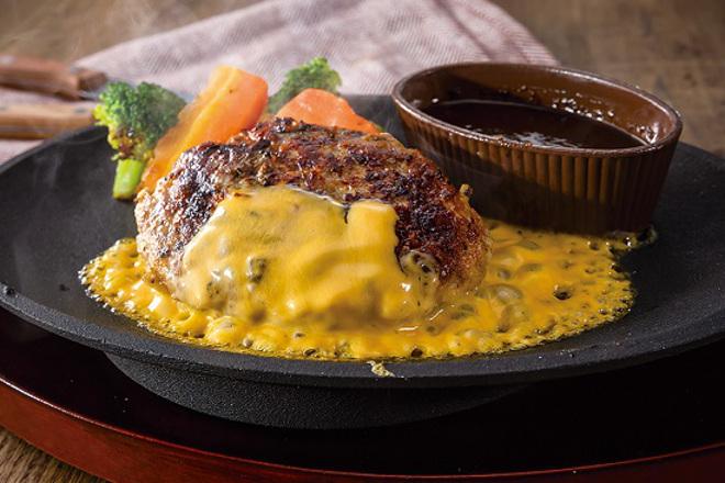 チェダーチーズ&ビーフハンバーグステーキ