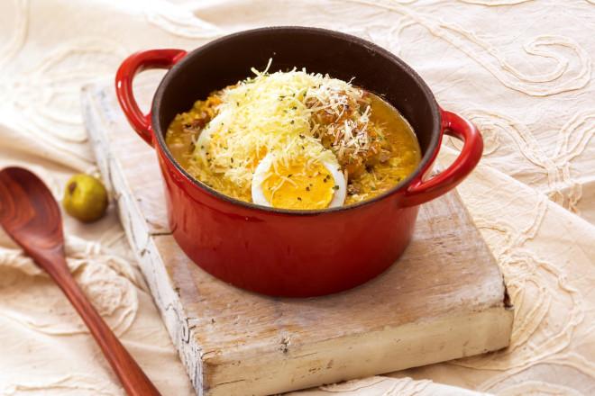 チキンと卵のパルメザンカレードリア