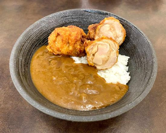 げんこつカレー Curry rice with Big size deep-fried chicken