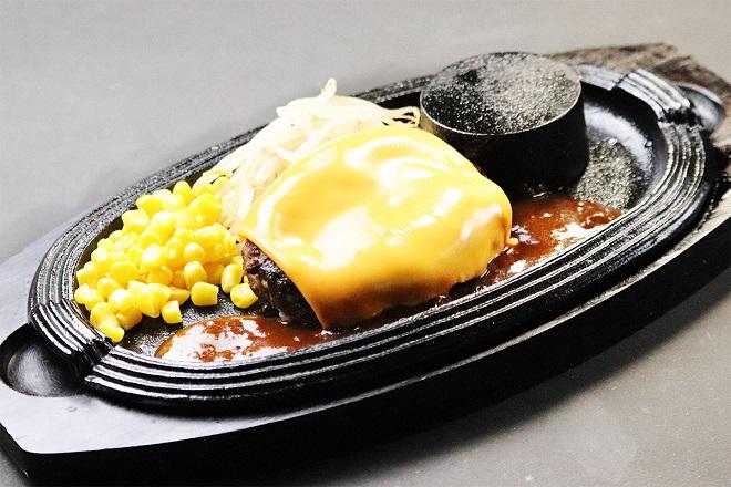 ハンバーグチェダーチーズのせ1枚