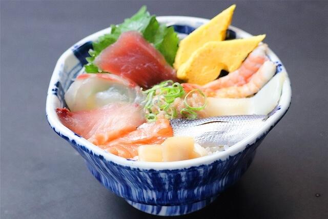 【本まぐろ使用】海鮮丼