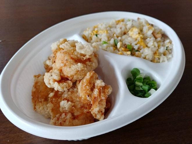 唐揚げ(3個)半炒飯弁当