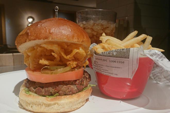 ステーキのお肉を100%使った「ハンバーガー」