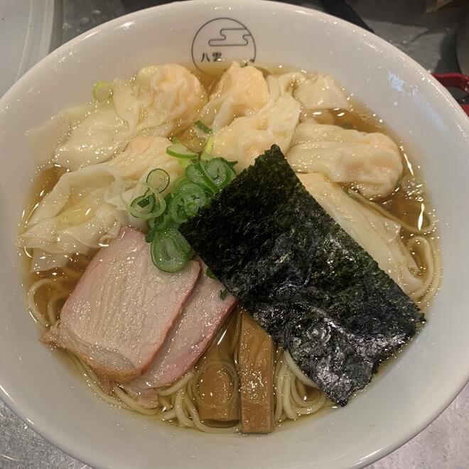 エビワンタン麺(黒)