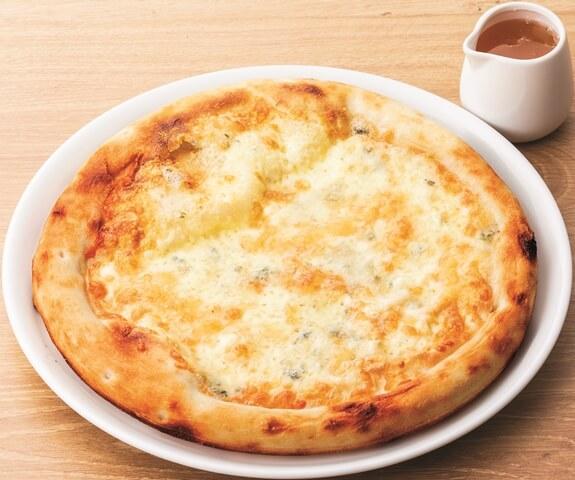 3種のチーズピッツァ(はちみつ添え)
