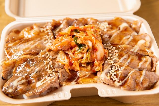 キムマヨ牛カルビ弁当 肉並