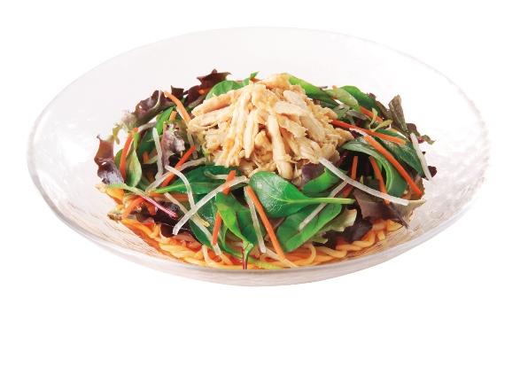 ごま油香る彩り野菜と蒸し鶏のさっぱり冷し中華