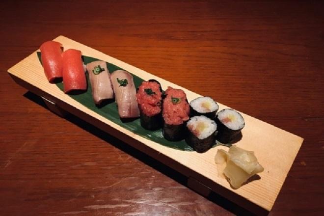 寿司毘沙門天盛り《マグロづくし》