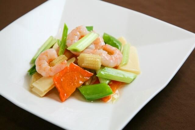 季節野菜と海老のあっさり塩炒め