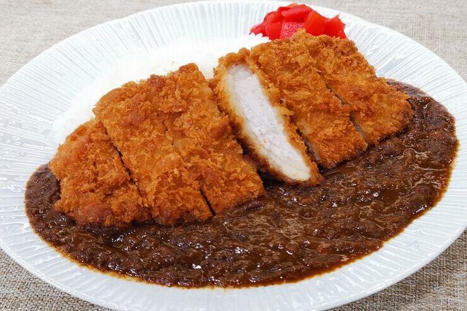 ひき肉たっぷり濃厚カレー(ぶ厚いカツのせ)