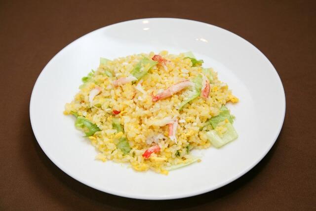 蟹とレタスの炒飯