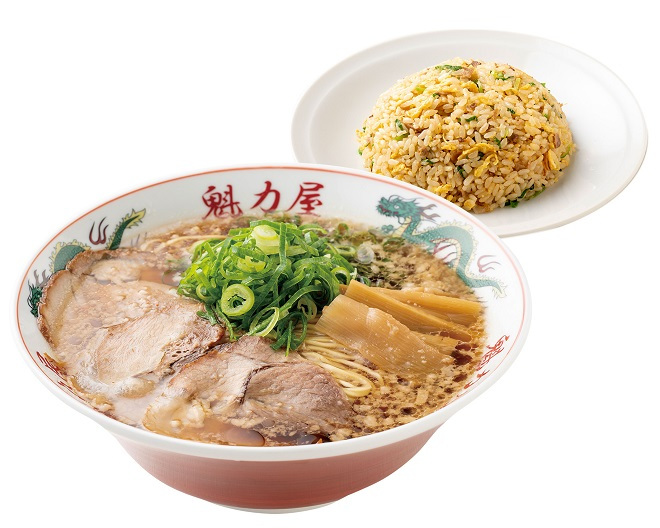 特製醤油ラーメン(レンチンタイプ)(並)+焼きめし(小)セット