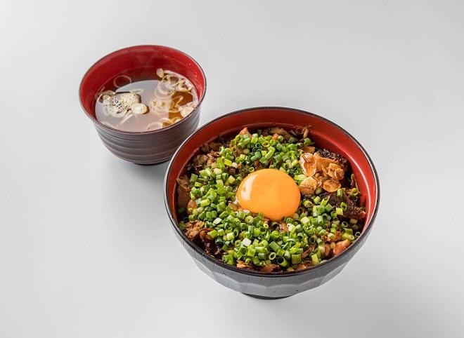 幸丼豚玉丼 並盛(味噌汁付き)