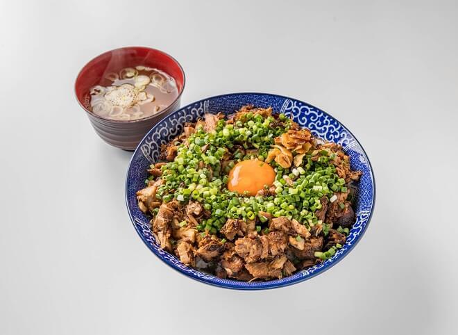 幸丼豚玉丼 特盛((味噌汁付き))