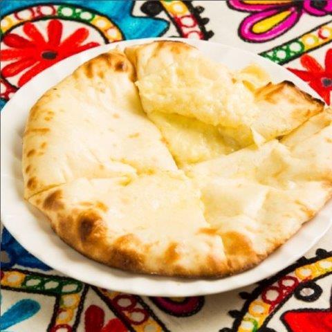 スペシャルチーズナン(Special Cheese Nan)