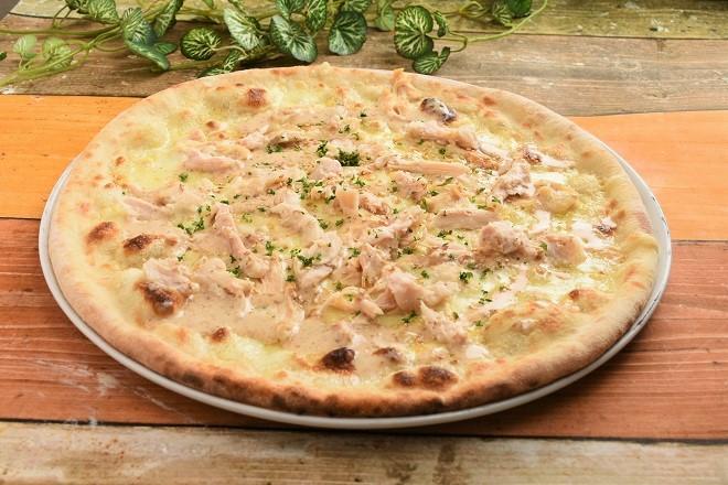 【10日・20日・30日受取限定(マルゲリータの日)】鶏むね肉とゴマのクリームピッツァ