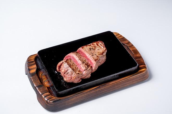 ランプステーキ100g(スープ・サラダ・ごはん付)