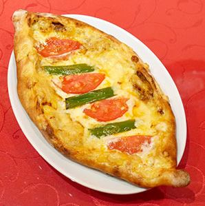 トルコ風ミックスピザ