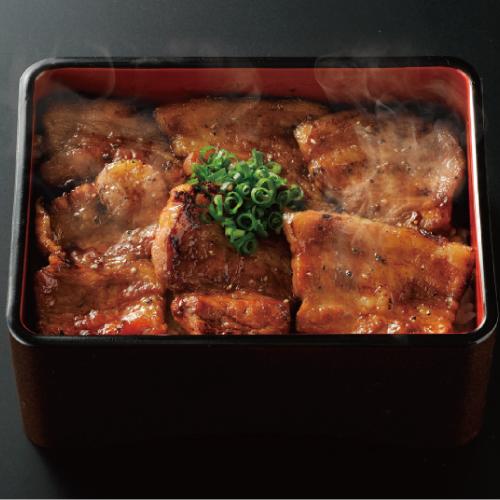 厚切りカルビ豚丼